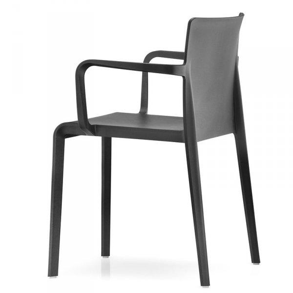 Lekkie, wytrzymałe krzesła Pedrali Volt 675