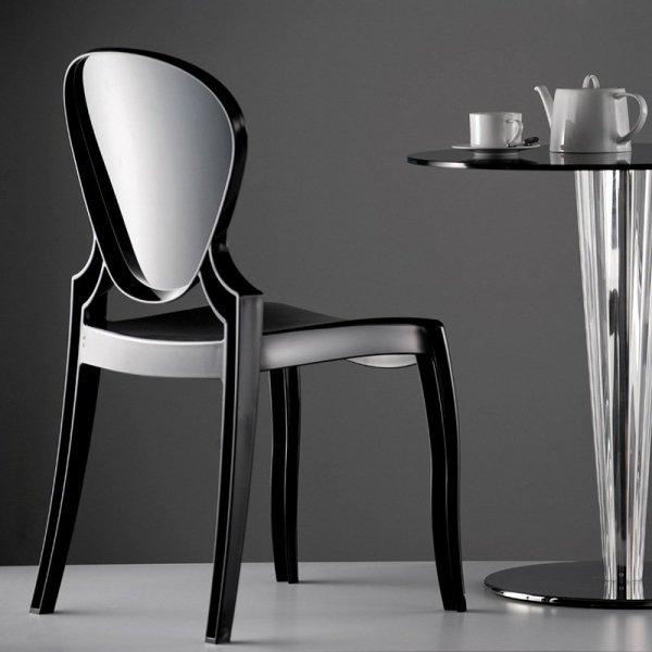 Lekkie i wytrzymałe krzesła z tworzywa Pedrali Queen 650