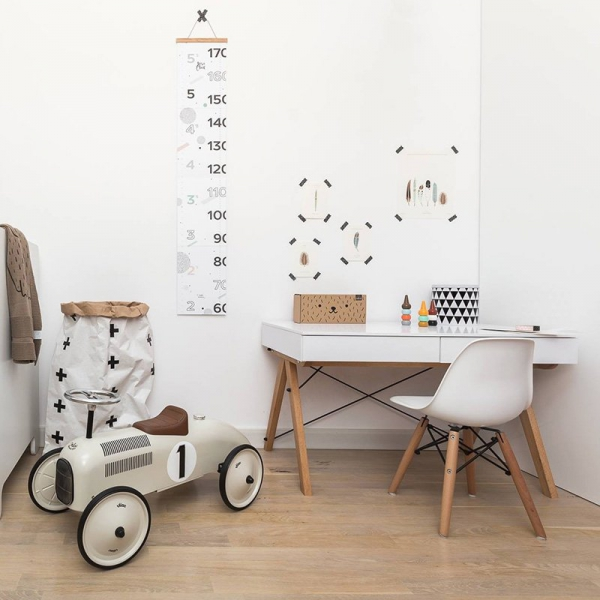 Biurko Basic Kids jest sugerowane dla dzieci do 140cm, do krzesełka o wysokości siedziska do 38cm
