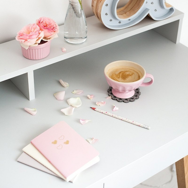 Nowoczesne biurko dziecięce Minko