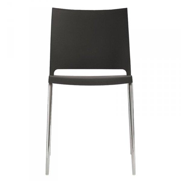 Krzesła Maya 700 występują w wersji z nogami z tworzywa oraz metalu