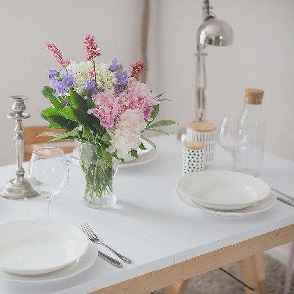 Opcja rozkładania stołu Basic Minko umożliwi zaoszczędzenie cennej przestrzeni i ugoszczenie większej liczby gości