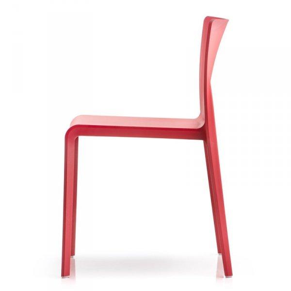 Lekkie krzesła do restauracji, kawiarni, hotelów Pedrali Volt 670