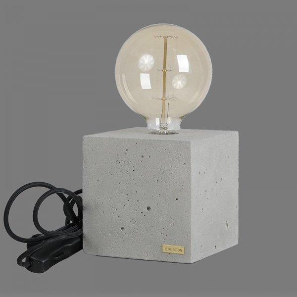 Lampka Edison Cube z czarnym kablem
