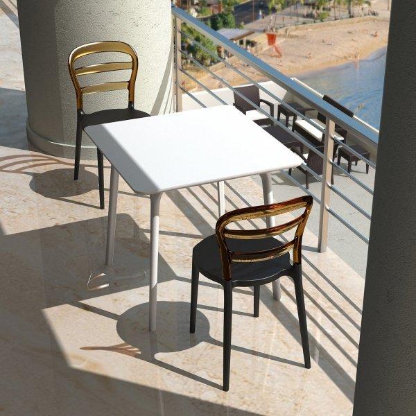 Krzesła Miss Bibi dostępne są w wielu wersjach kolorystycznych, dzięki czemu pasują do każdego wnętrza