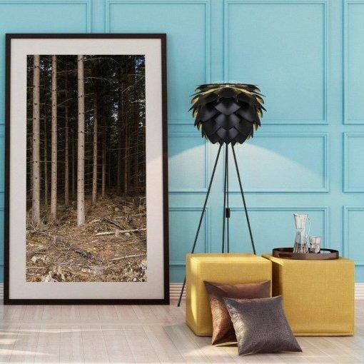 Lampa stojąca to stylowy dodatek do każdego wnętrza
