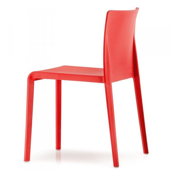 Stylowe krzesła na taras Pedrali czerwone Volt 670