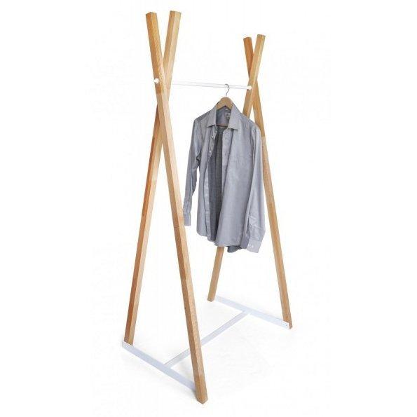 nowoczesny wieszak drewniany do garderoby