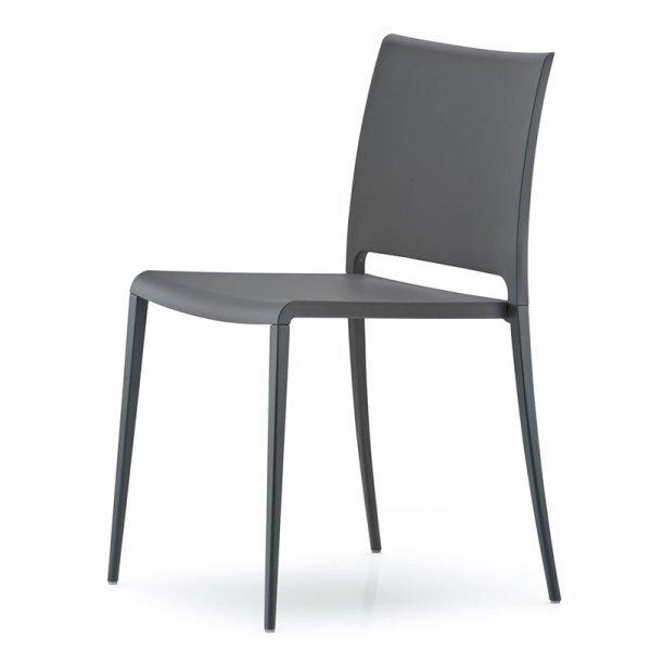 Lekkie i wytrzymałe krzesło marki Pedrali
