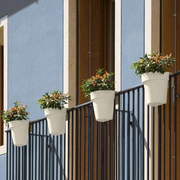 Kolorowe doniczki balkonowe UP są dostępne w wielu pięknych kolorach