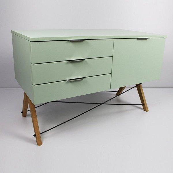 Stylowa szafka Sideboard z 3 szufladami oraz pojemną szafką