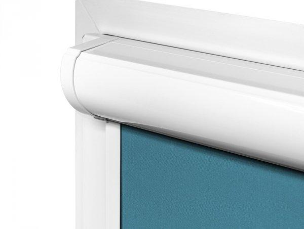 Kaseta i prowadnice rolet Vario Plus Large są przyklejane bezinwazyjnie na ramę okna.