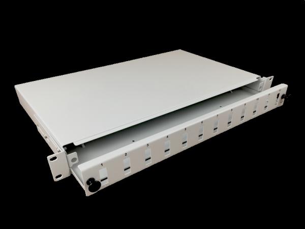 """Przełącznica 12xSC duplex 19"""" 1U z płytą czołową oraz akcesoriami montażowymi (dławiki, opaski)"""