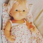 Olimi, pościel dla lalki, różowa łączka