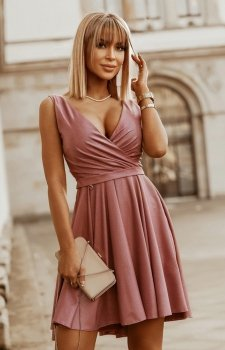 Elegancka błyszcząca sukienka 2215-20