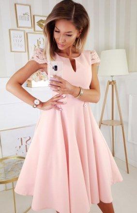 Koktajlowa sukienka midi brzoskwiniowa 2212-12