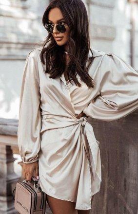 Elegancka satynowa sukienka beżowa