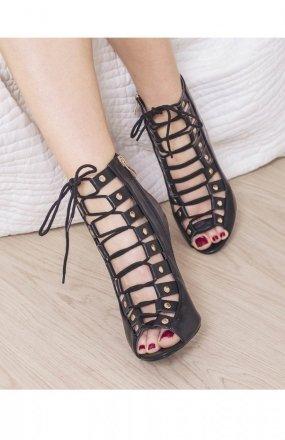 Czarne sznurowane sandały