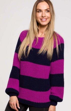 Oversizowy sweter w pasy M632/2