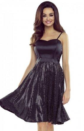 Rozkloszowana sukienka z cekinami