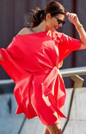 Kimonowa różowa sukienka M196