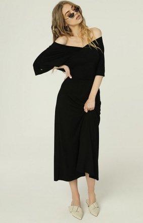 *Czarna sukienka z dekoltem Evie MAD488