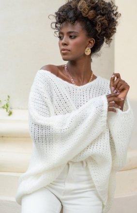 Oversizowy sweter damski ecru F1256