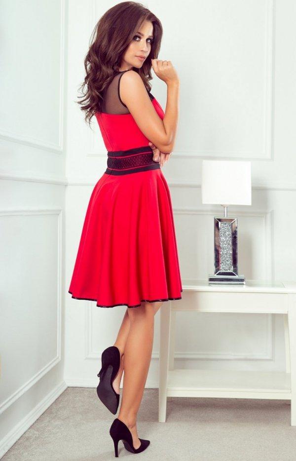 Rozkloszowana czerwona sukienka 261-1 RICA tył