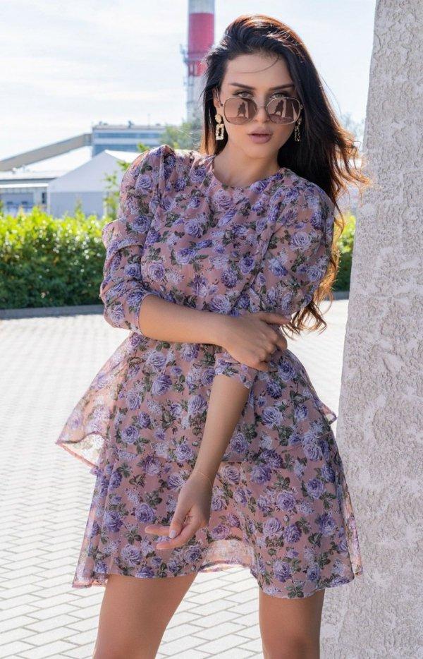 Kobieca sukienka z ozdobną falbaną-1