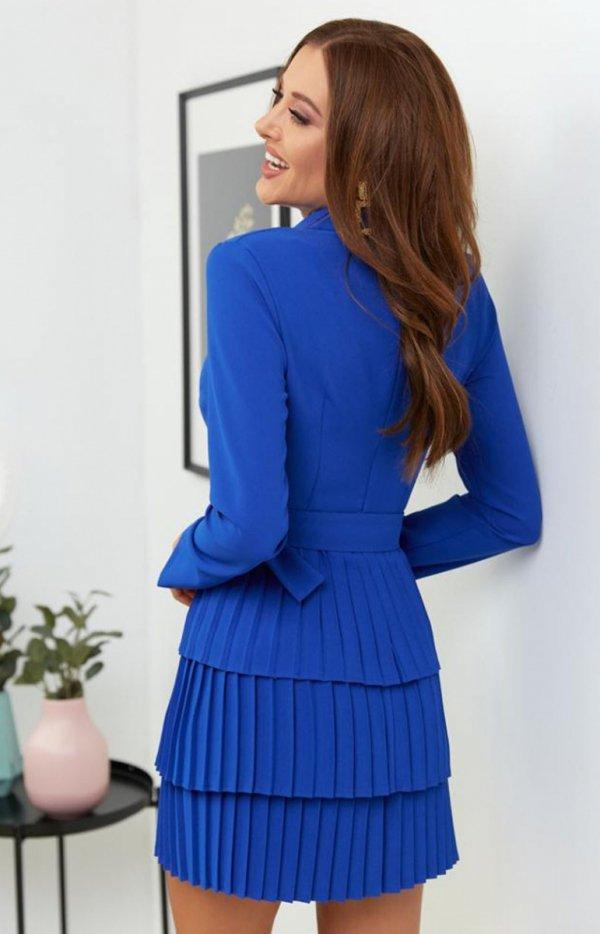 Kopertowa sukienka z plisowaniem chabrowa tył