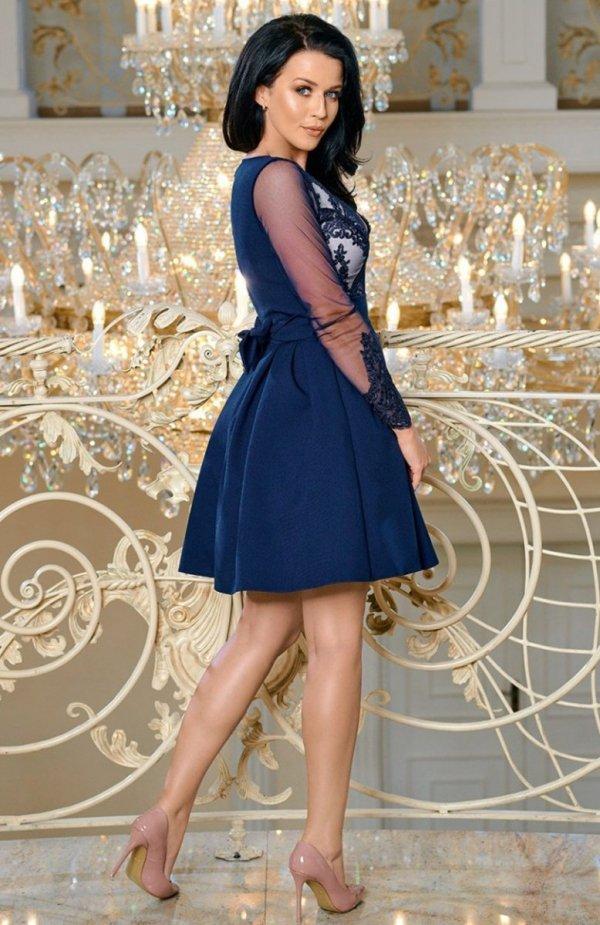 Bicotone 2166-11 sukienka rozkloszowana granatowa tył