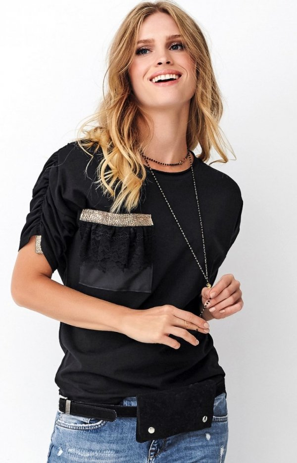 Czarna bluzka z bufkami Numinou NU264-1