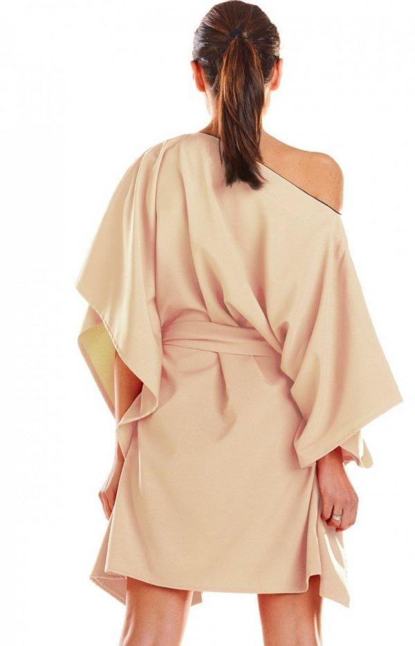 Kimonowa beżowa sukienka M196 tył