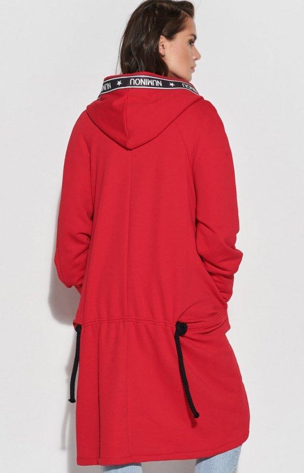 Długa czerwona bluza z kapturem NU338 tył