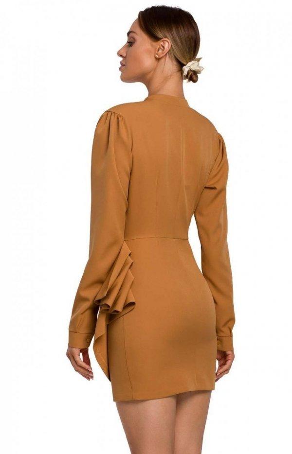 Elegancka mini sukienka z falbaną cynamon M531 TYŁ