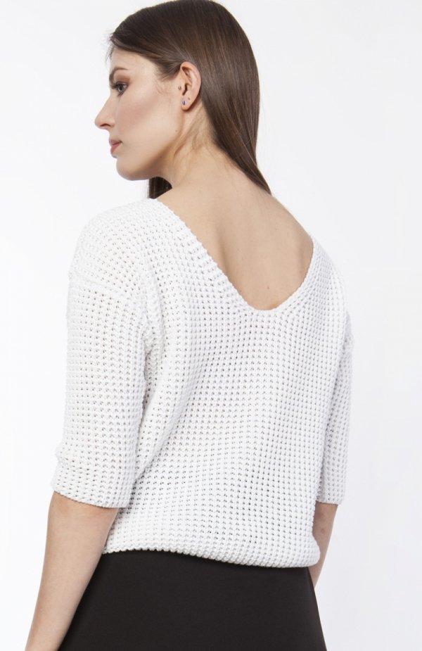 Sweter z dekoltem z przodu lub z tyłu ecru SWE118 tył