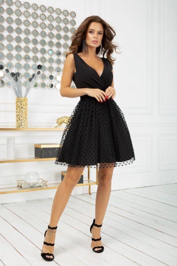 Rozkloszowana sukienka w groszki czarna 2217-06-1