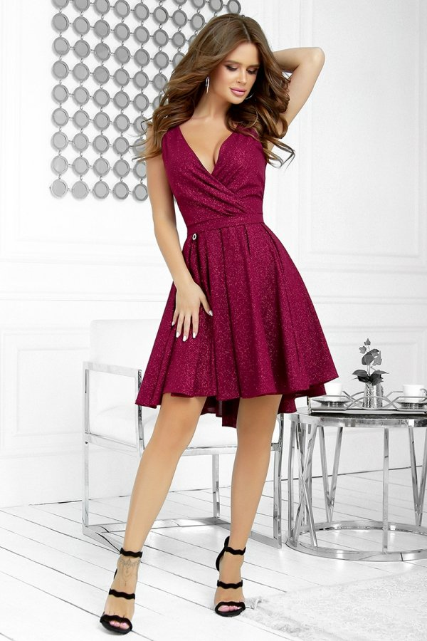 Elegancka błyszcząca sukienka 2215-10-1