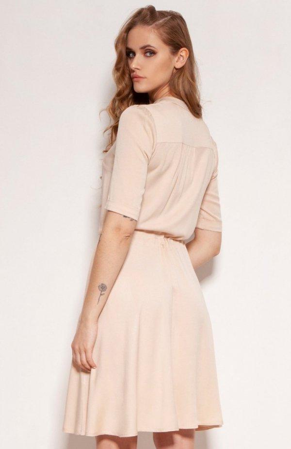 Sukienka z troczkiem i rozkloszowanym dołem beżowa SUK195 tył