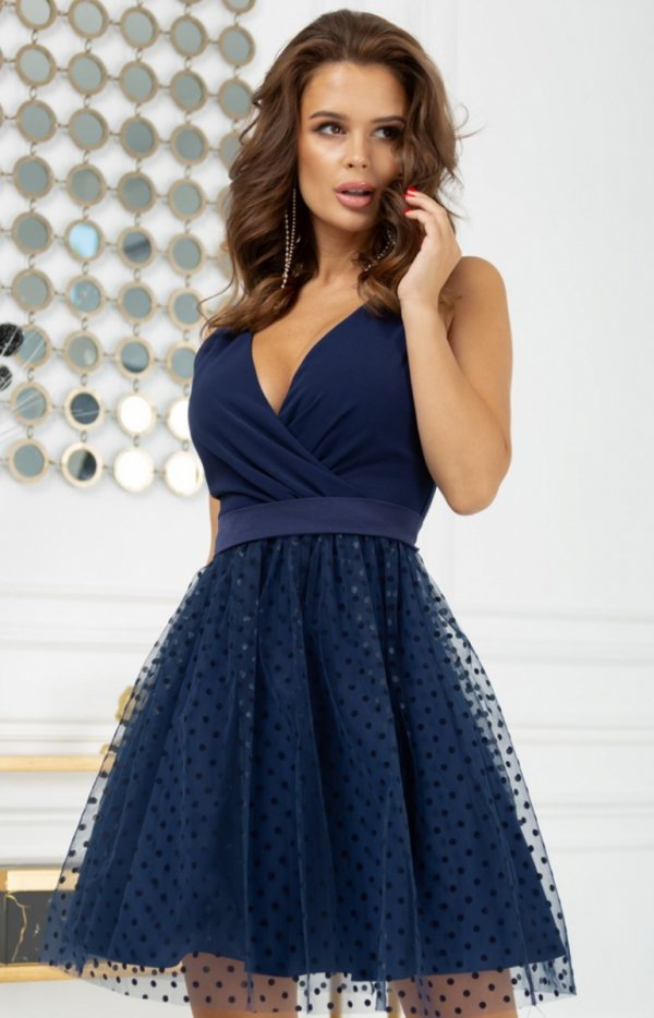 Rozkloszowana sukienka w groszki granatowa 2217-01