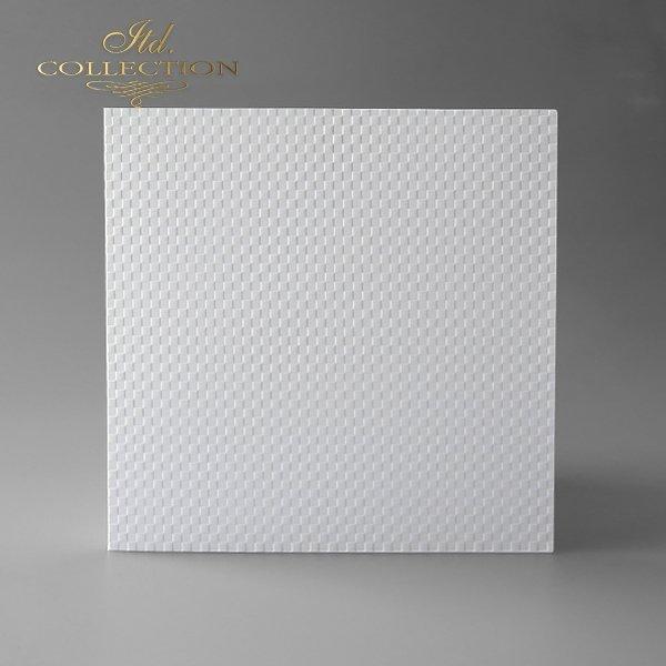 Baza do kartki kolor biel naturalna. Format kartki stworzony do koperty 156x156 mm
