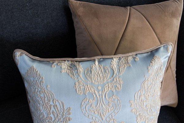 Touch poduszka dekoracyjna beżowa