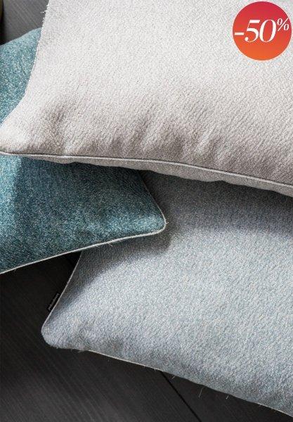 Alaska szara błyszcząca poduszka dekoracyjna 50x30