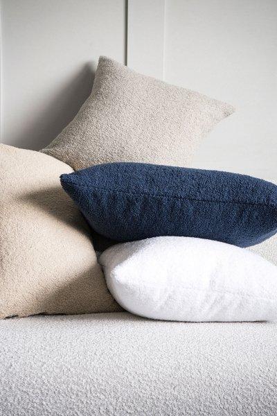 Cozy biała poduszka dekoracyjna 50x50