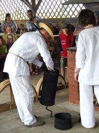 Pokaz tłoczenia oleju metodą tradycyjną