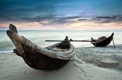 Fototapeta na scianę - Stare łodzie, Wietnam - 175x115 cm