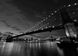 Fototapeta na ścianę - Most Brooklyn Bridge nocą BW - 254x183cm