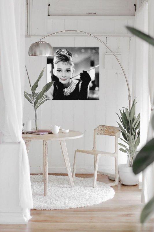 Audrey Hepburn Smile - obraz na płótnie
