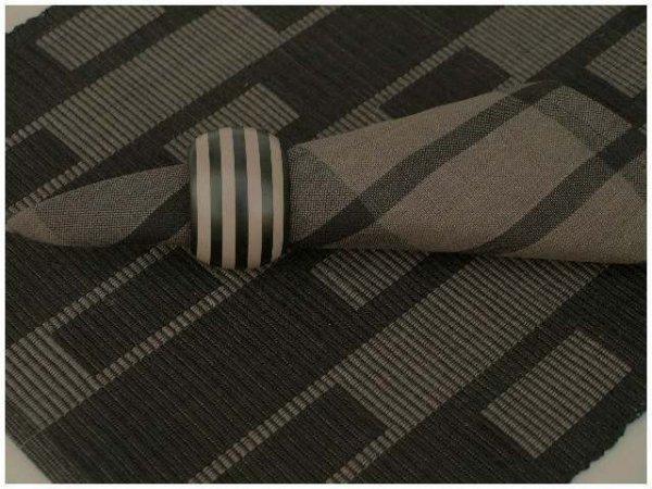 Podkładki na stół + Serwetki + Obrączki na serwetki x 4-szt - Czerń