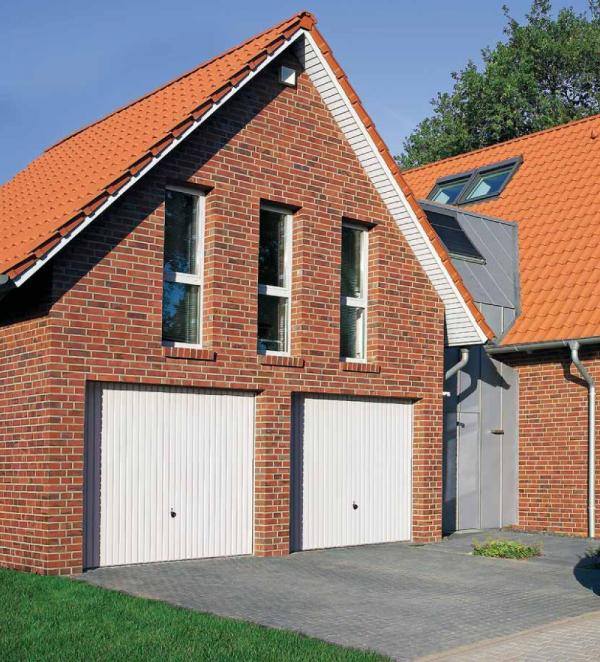 Brama uchylna N 80, 2750 x 2125, Wzór 902 z drzwiami, kolor do wyboru